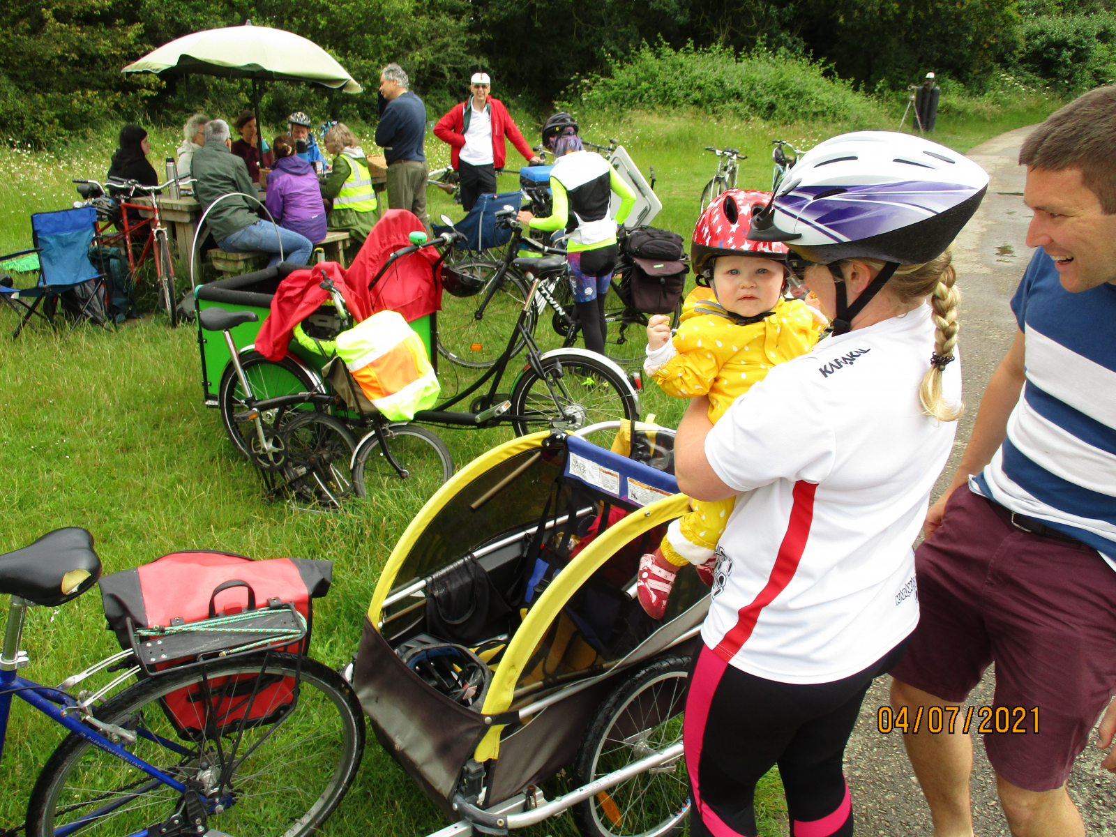 One of our Youngest Supporters arriving in a bike trailer