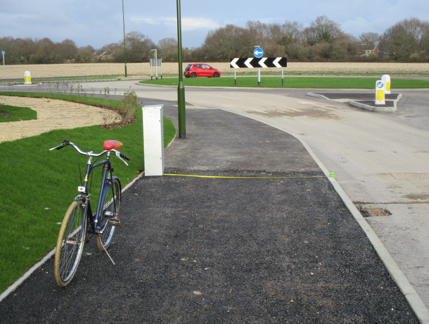 Cycle track width restricted by controle box